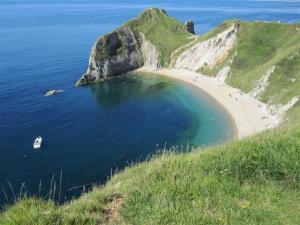 South West coastal path at Durdle Door, near Lulworth